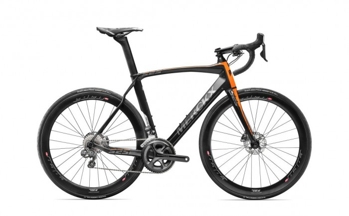 detail EDDY MERCKX EM525 ENDURANCE ULTEGRA Di2 DISC BLACK/ORANGE